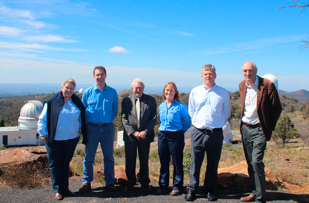Left to right Annie Moody – Santos Team Leader of the Community and Land Team, David Bailey – Santos Manager of ENSW operations, Reg Wilson - a lighting specialist and a previous Director and ongoing advisor to the International Dark-Sky Association, Sofia Oliver – Santos Environment and Approvals Leader, Peter Mitchley – Santos General Manager of Energy NSW, Fred Watson AM, Astronomer-in-Charge of the Australian Astronomical Observatory