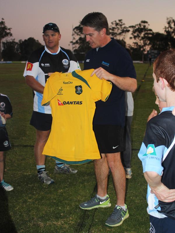 Future Wallagy hopefuls eye off Tim Horan's green and gold jersey